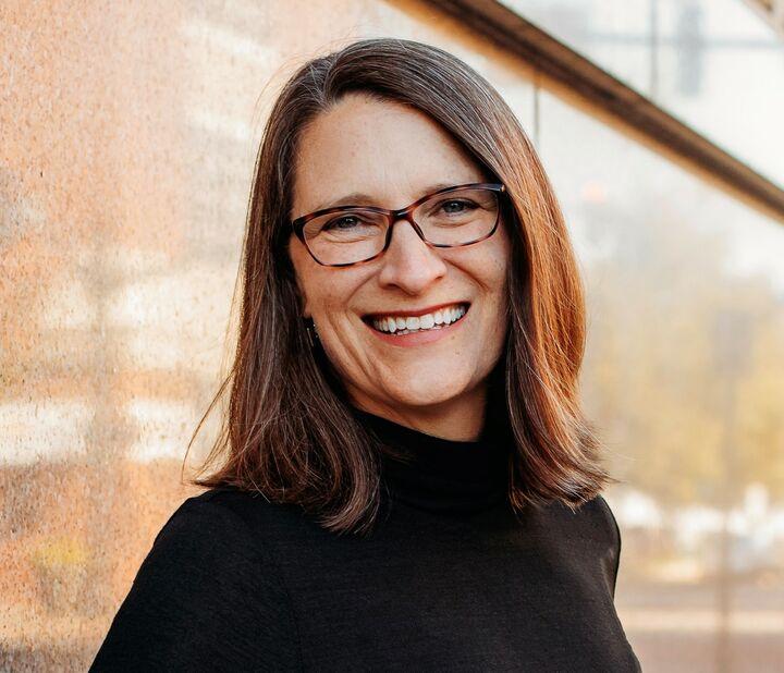 Cara Gile, Broker Associate in Evansville, BHHS Indiana Realty