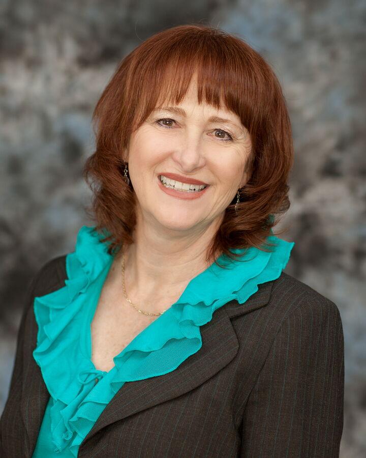 Lynn Lamberson,  in Riverside, Windermere