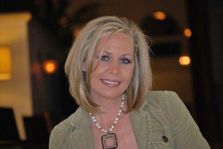 Marcy Farris, REALTOR Salesperson, RRG, GRI in Henderson, Windermere