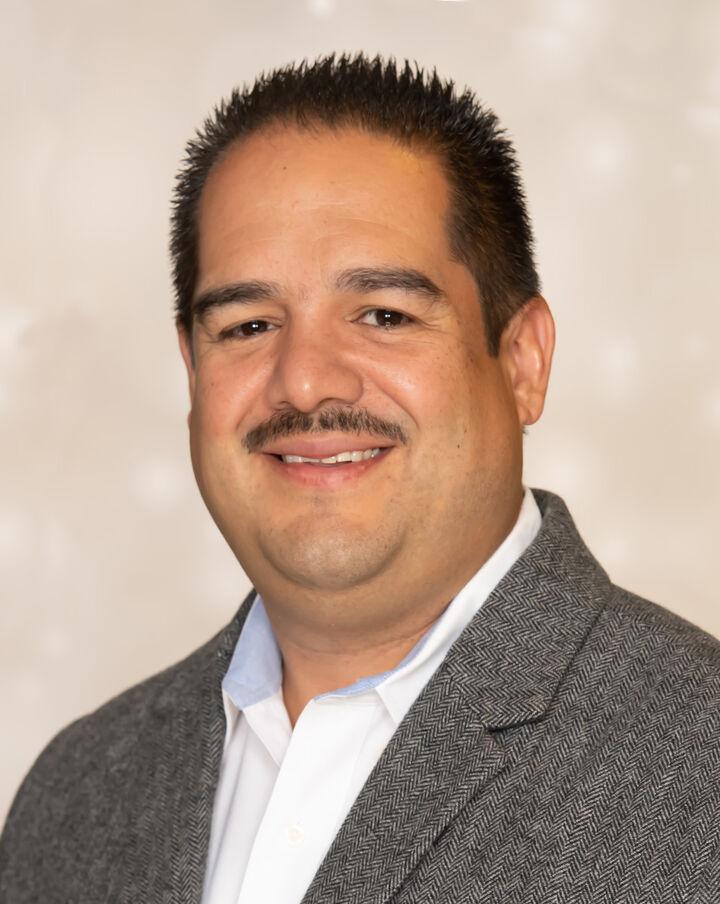 Juan Burgos,  in Pleasanton, Sereno