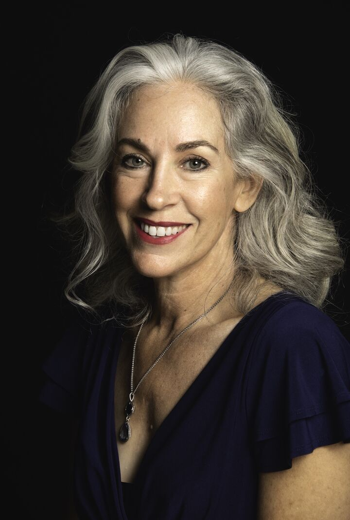 Cynthia Stratton,  in Lutz, Dennis Realty & Investment Corp.