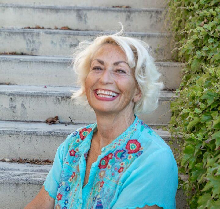 Carol Thayer,  in Hood River, Windermere