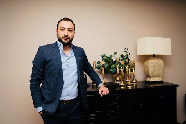 Ali Honarmand, Sales Representative in Toronto, CENTURY 21 Canada